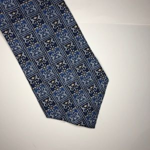 5 for $25 Club Room Tie